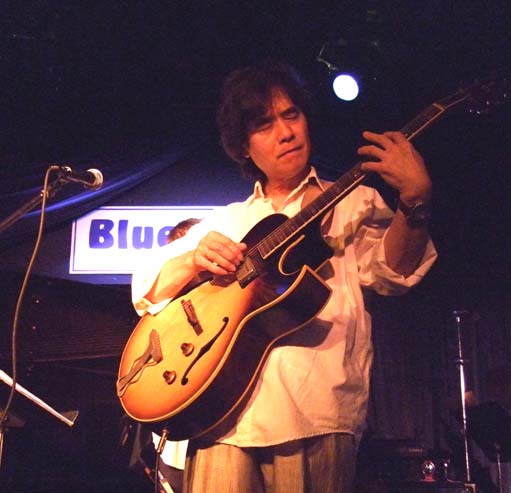 Yoshiaki masuo at the blue note ny 34387 bytes